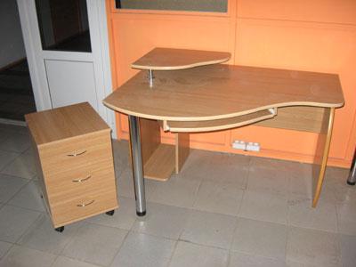 Стол компьютерный светлый: от 428,24 руб. - столы, заказать .
