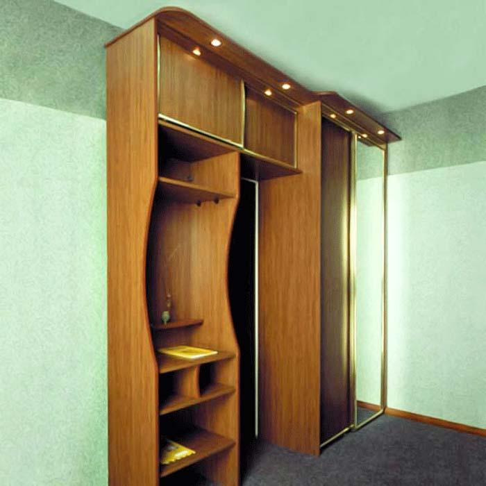 Мебель в маленькую прихожую с подсветкой.