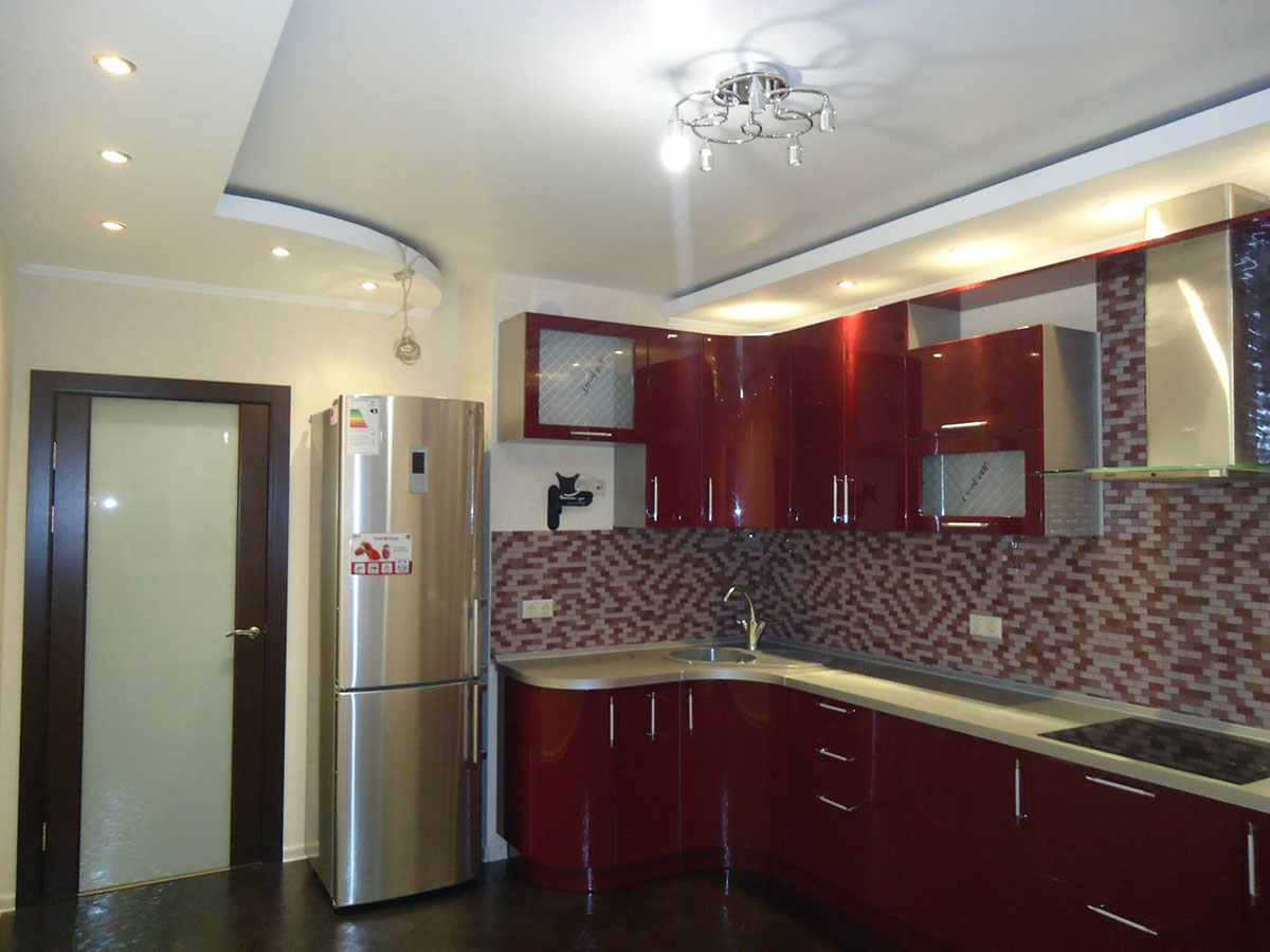Ремонт потолка кухни фото